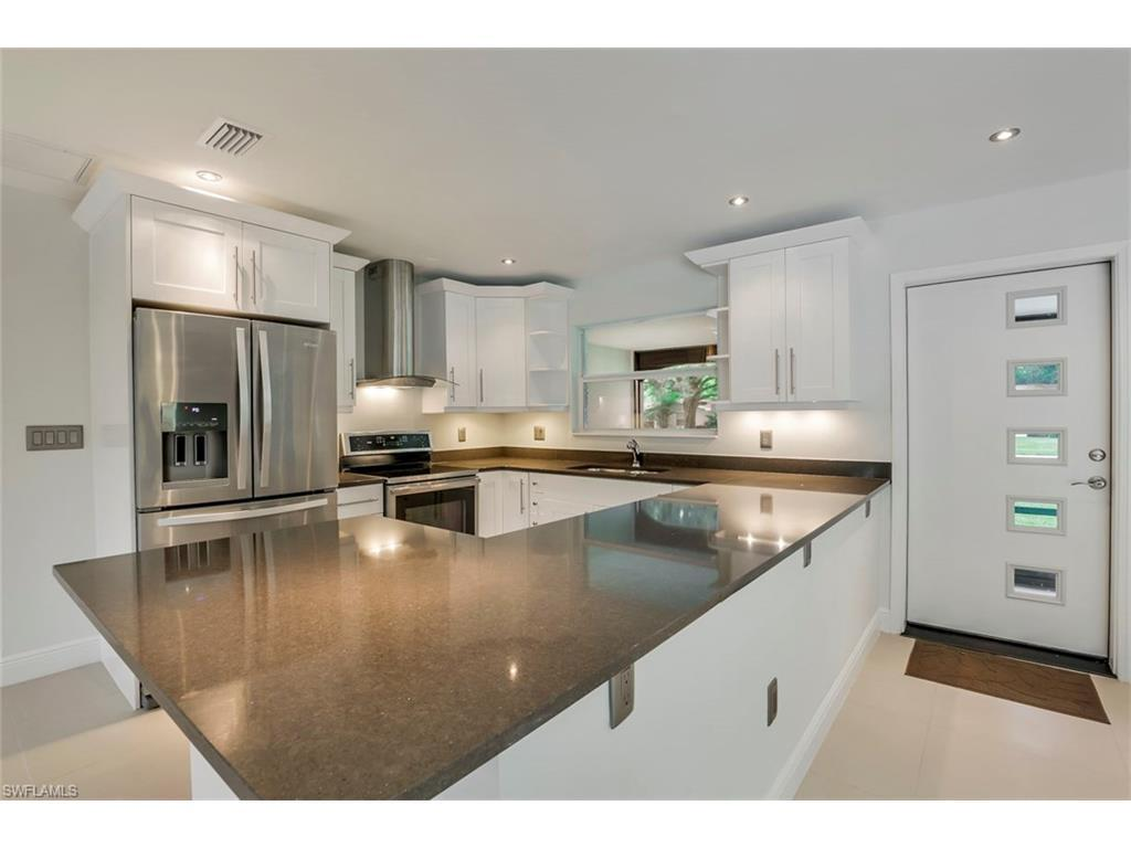 1260 Biltmore Dr, Fort Myers, FL 33901 (#216046405) :: Homes and Land Brokers, Inc