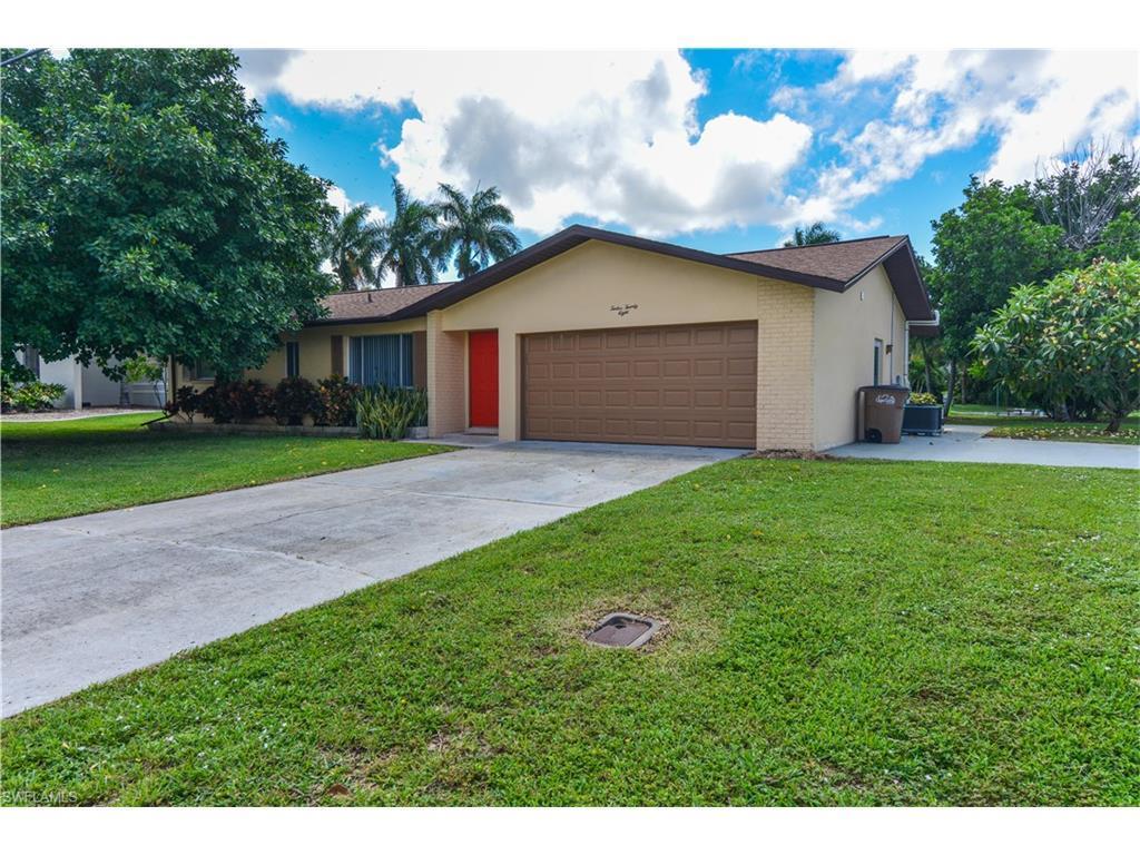 1228 El Dorado Pky E, Cape Coral, FL 33904 (MLS #216052608) :: The New Home Spot, Inc.