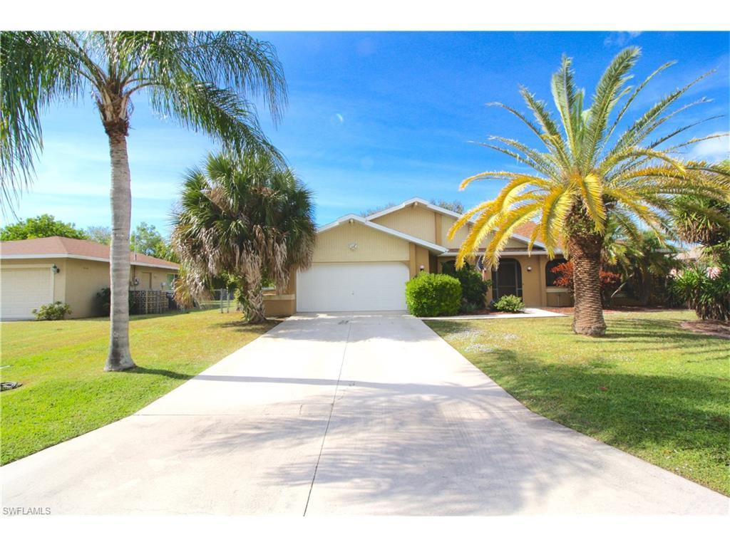 3608 SE 8th Pl, Cape Coral, FL 33904 (MLS #216054105) :: The New Home Spot, Inc.