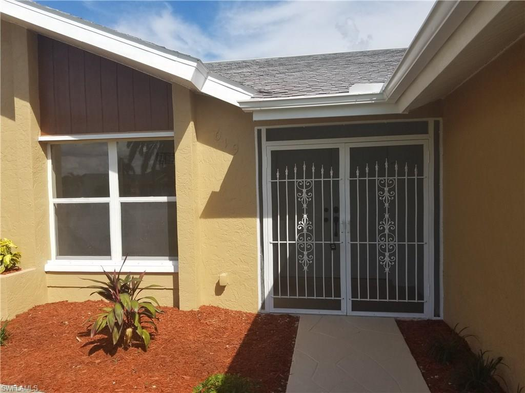 619 SE 10th Ave, Cape Coral, FL 33990 (#216054856) :: Homes and Land Brokers, Inc