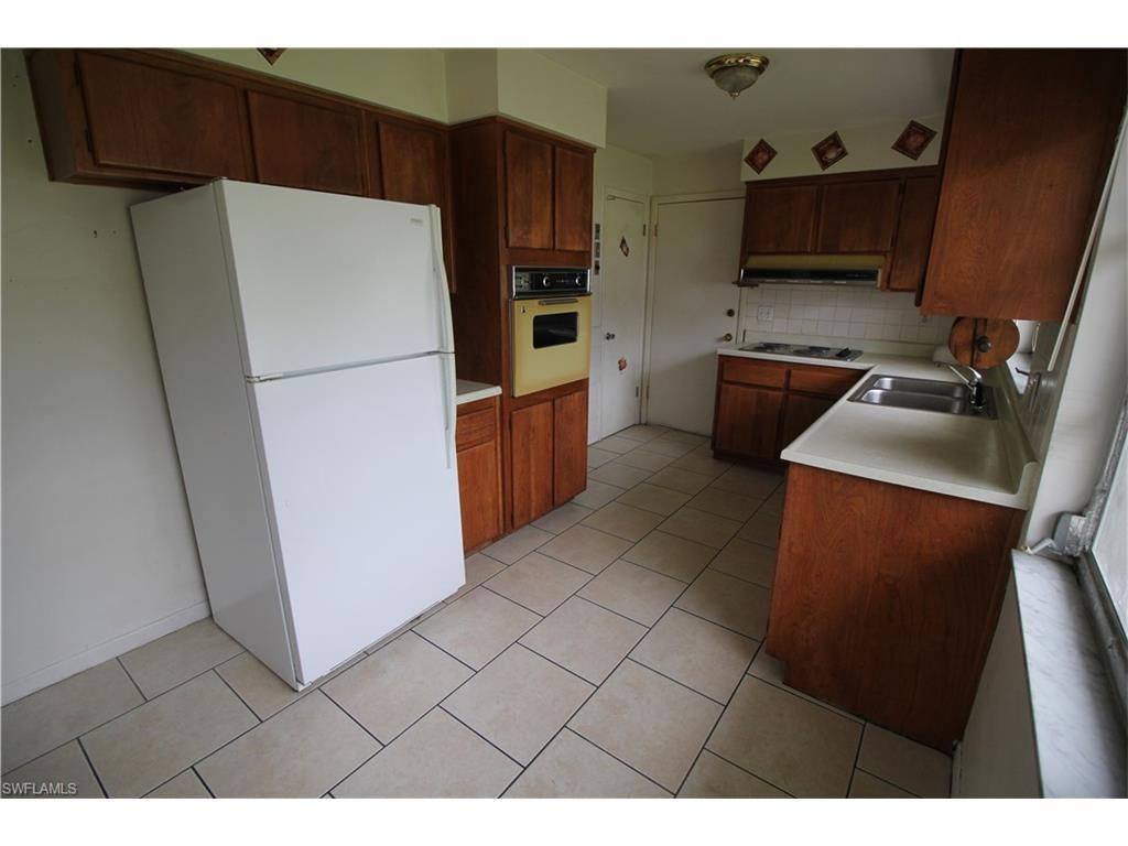 3632 Country Club Blvd, Cape Coral, FL 33904 (#216055831) :: Homes and Land Brokers, Inc