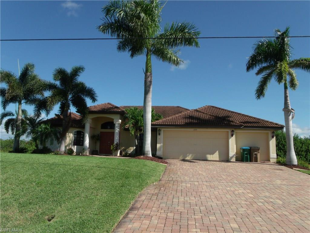 335 NE 15th St, Cape Coral, FL 33909 (MLS #216056745) :: The New Home Spot, Inc.