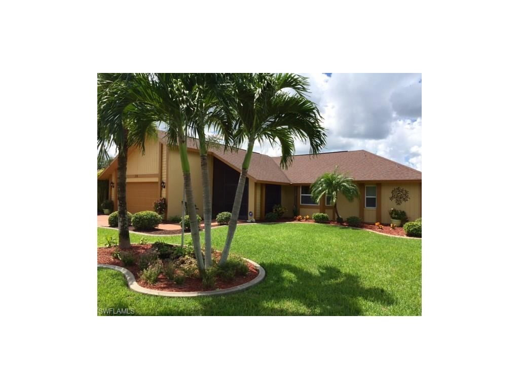 16 SE 12th Ave, Cape Coral, FL 33990 (MLS #216058214) :: The New Home Spot, Inc.