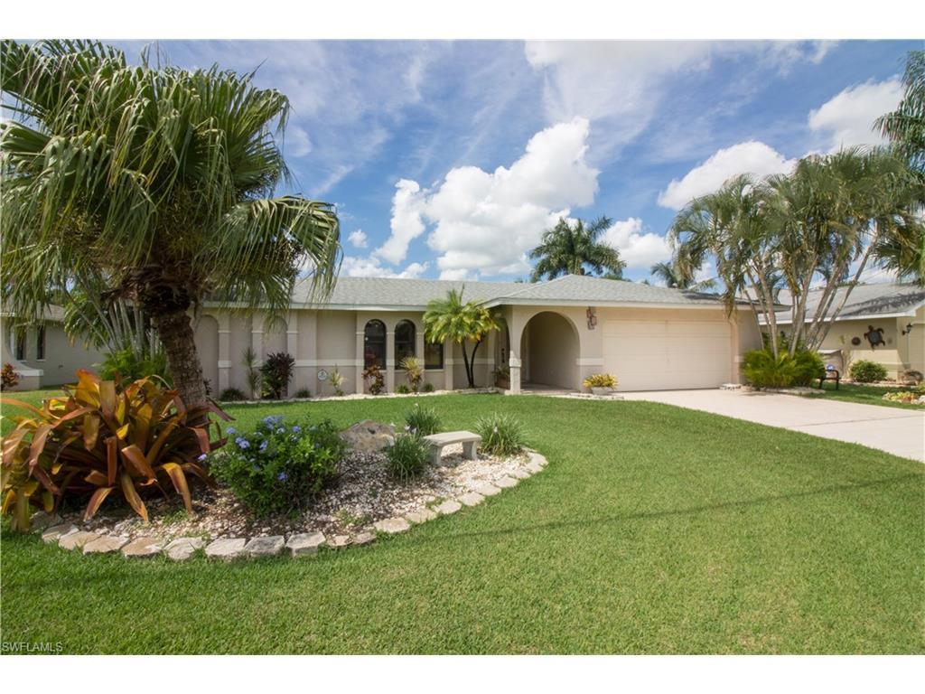 920 SE 4th Pl, Cape Coral, FL 33990 (MLS #216058790) :: The New Home Spot, Inc.