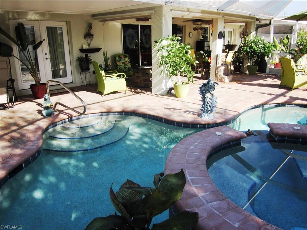 826 SW 4th Ave, Cape Coral, FL 33991 (MLS #216059650) :: The New Home Spot, Inc.