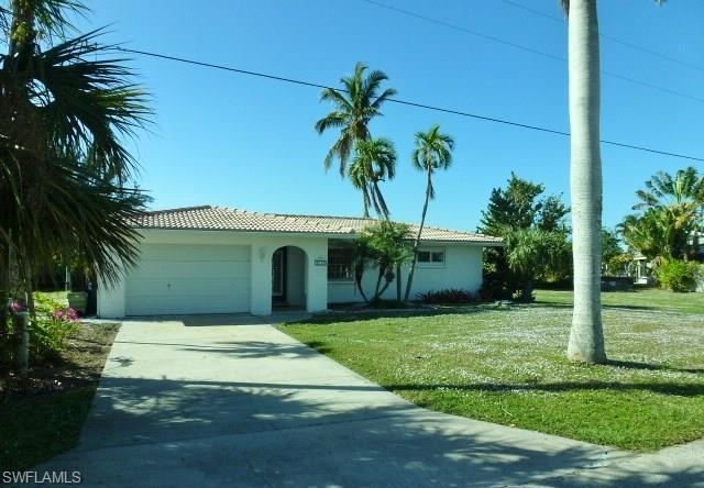 2175 Date St, St. James City, FL 33956 (MLS #217075589) :: The New Home Spot, Inc.