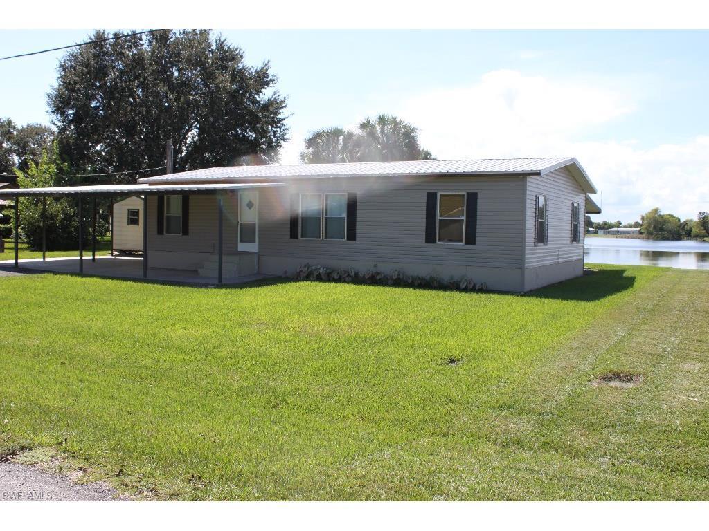1116 Okura St, Moore Haven, FL 33471 (#215058254) :: Homes and Land Brokers, Inc