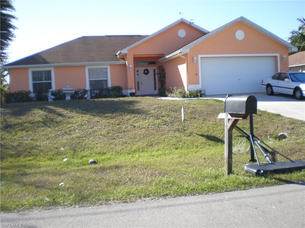 1814 SW 15th Ter, Cape Coral, FL 33991 (MLS #216022998) :: The New Home Spot, Inc.