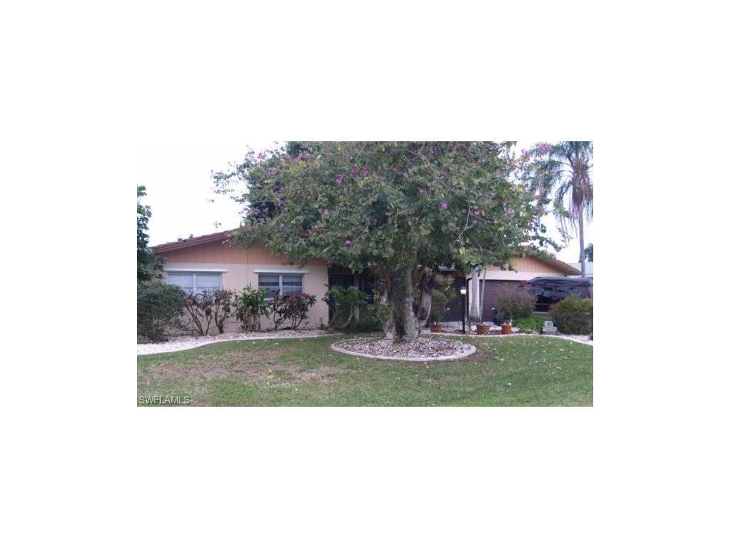 1452 Viking Ct, Cape Coral, FL 33904 (#216026744) :: Homes and Land Brokers, Inc