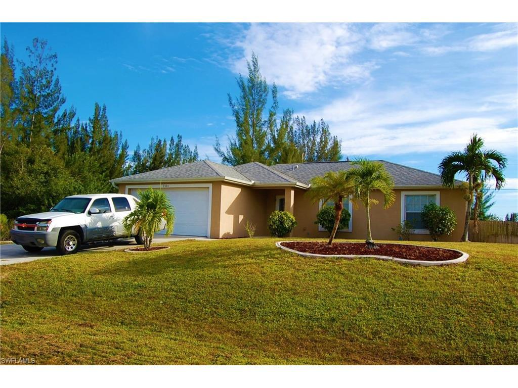 2626 NW 11th Ter, Cape Coral, FL 33993 (#216028093) :: Homes and Land Brokers, Inc