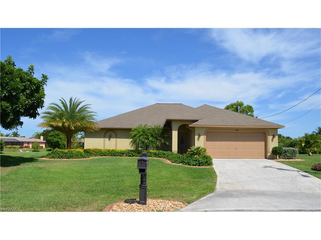 220 SE 21st Ave, Cape Coral, FL 33990 (MLS #216035165) :: The New Home Spot, Inc.