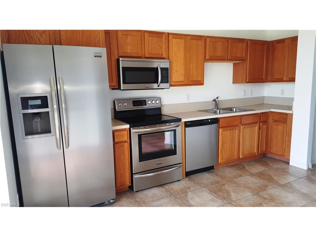 9806 Roundstone Cir, Fort Myers, FL 33967 (MLS #216036131) :: The New Home Spot, Inc.