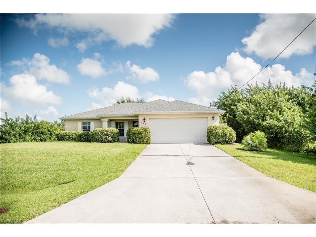 549 Louisville St E, Lehigh Acres, FL 33974 (MLS #216052642) :: The New Home Spot, Inc.