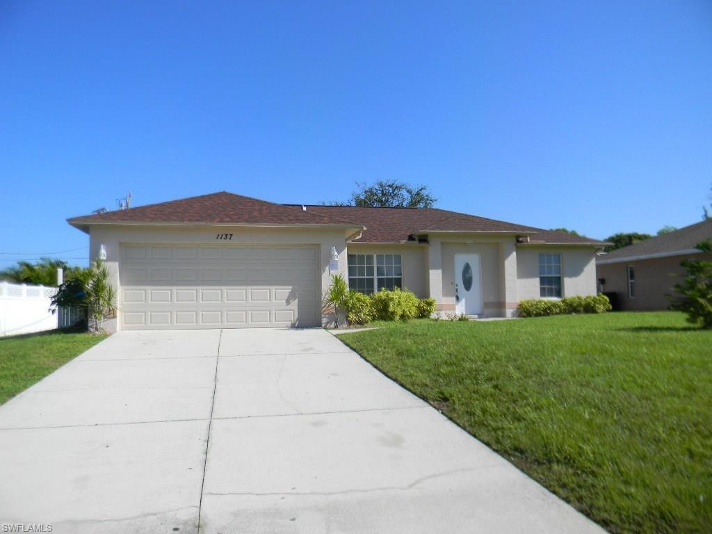 1137 SW 41st St, Cape Coral, FL 33914 (MLS #216052699) :: The New Home Spot, Inc.