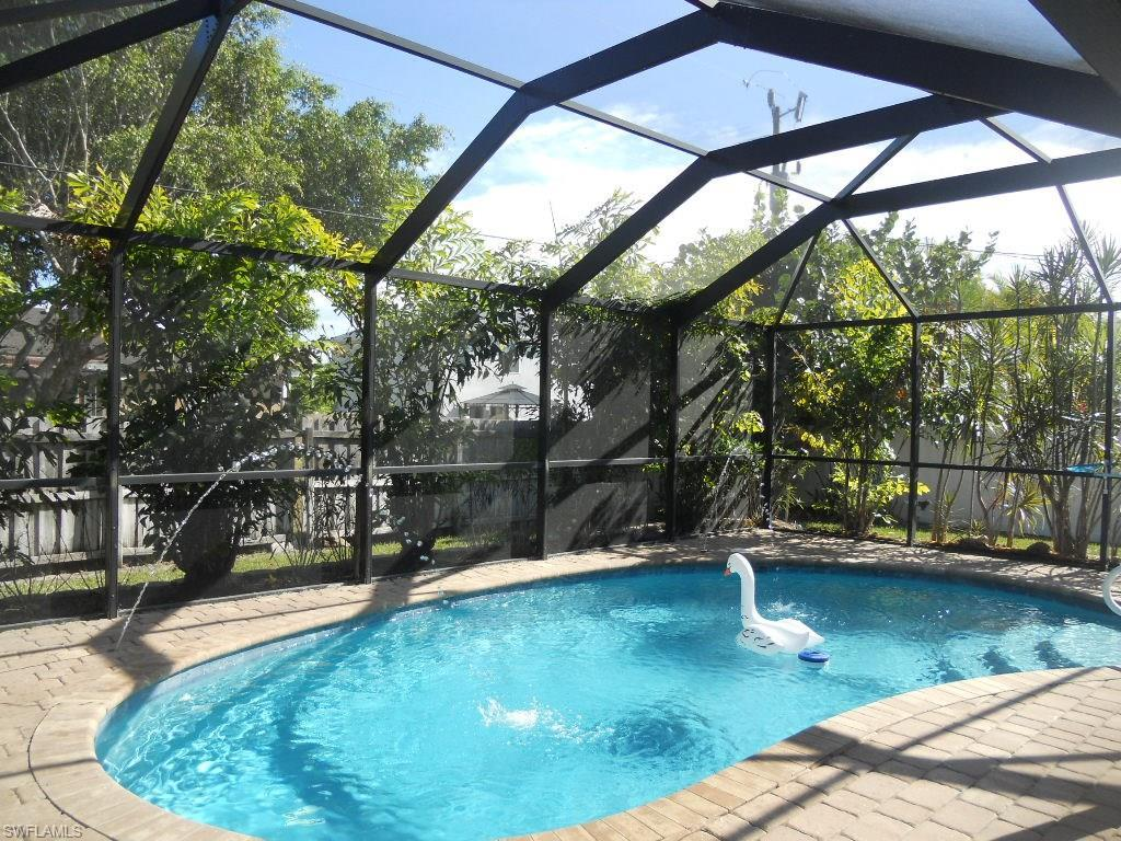 1721 SW 4th Ave, Cape Coral, FL 33991 (#216056953) :: Homes and Land Brokers, Inc