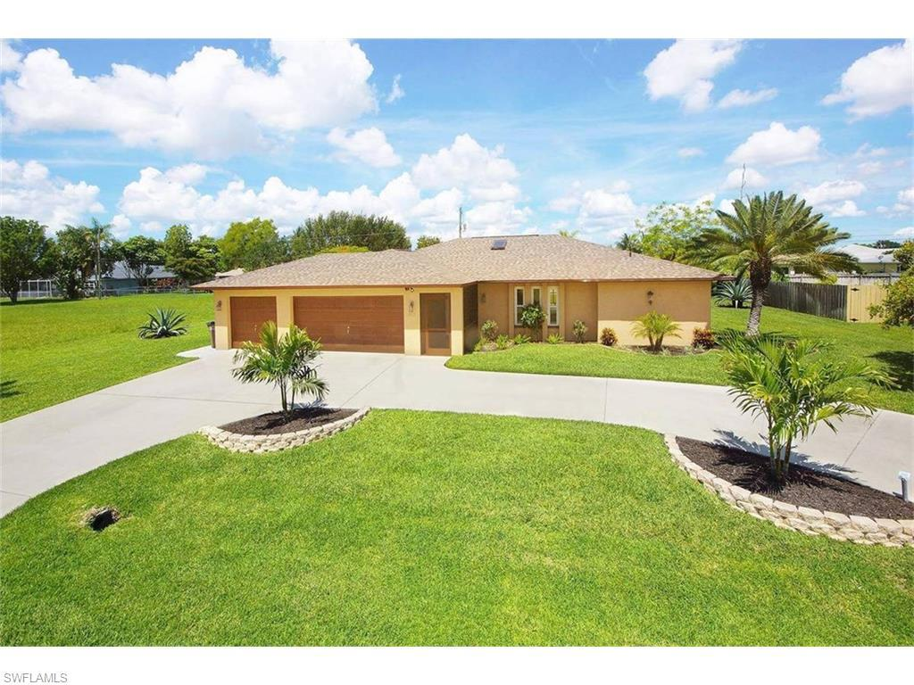 322 NE 19th Ave, Cape Coral, FL 33909 (#216022153) :: Homes and Land Brokers, Inc