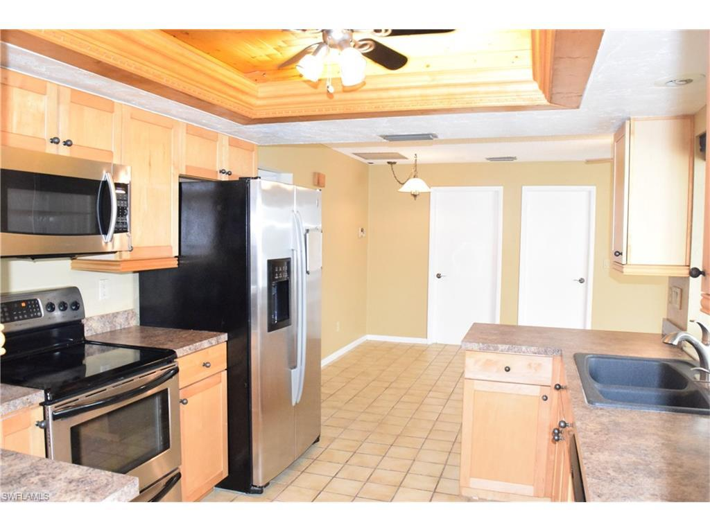 5029 SW 11th Pl, Cape Coral, FL 33914 (#216055046) :: Homes and Land Brokers, Inc