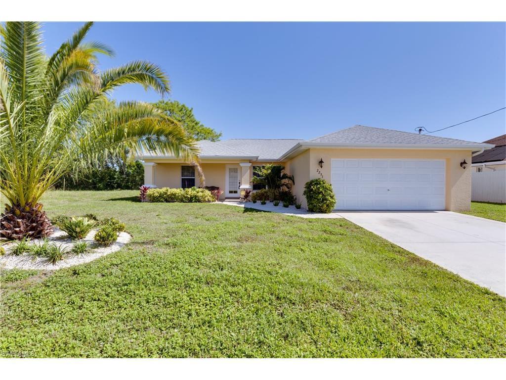 2231 NE 5th Ter, Cape Coral, FL 33909 (MLS #216022930) :: The New Home Spot, Inc.