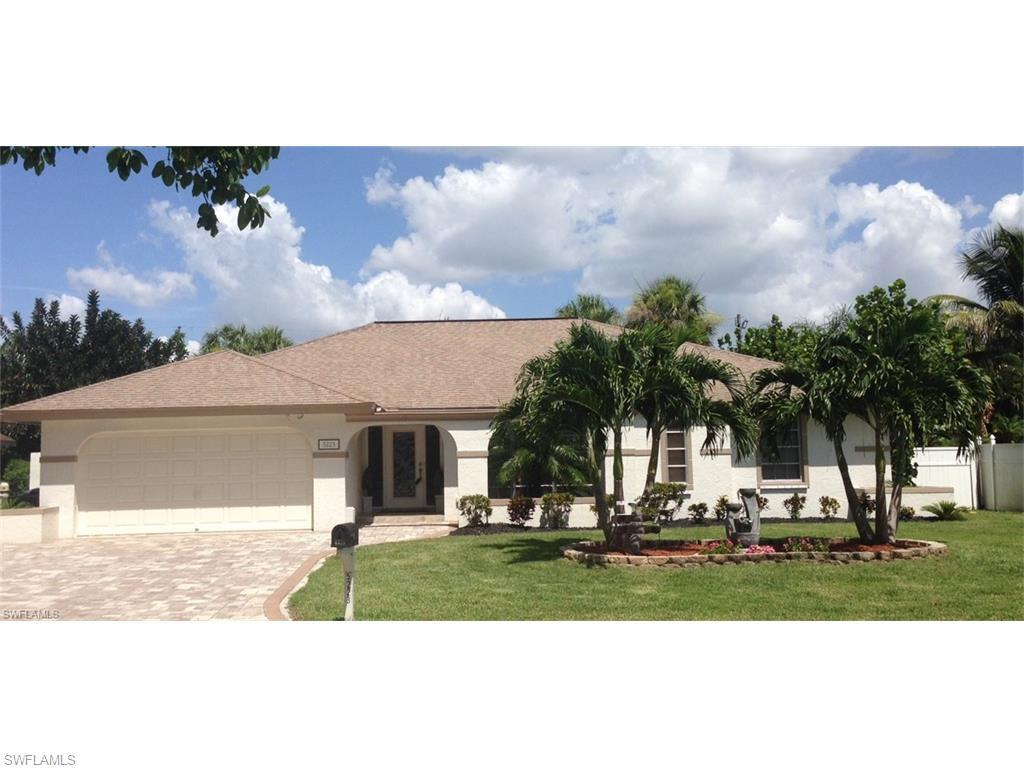 5223 Greenbriar Dr, Fort Myers, FL 33919 (MLS #216038112) :: The New Home Spot, Inc.