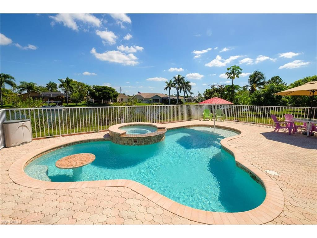 2229 SE 5th Ct, Cape Coral, FL 33990 (MLS #216044086) :: The New Home Spot, Inc.