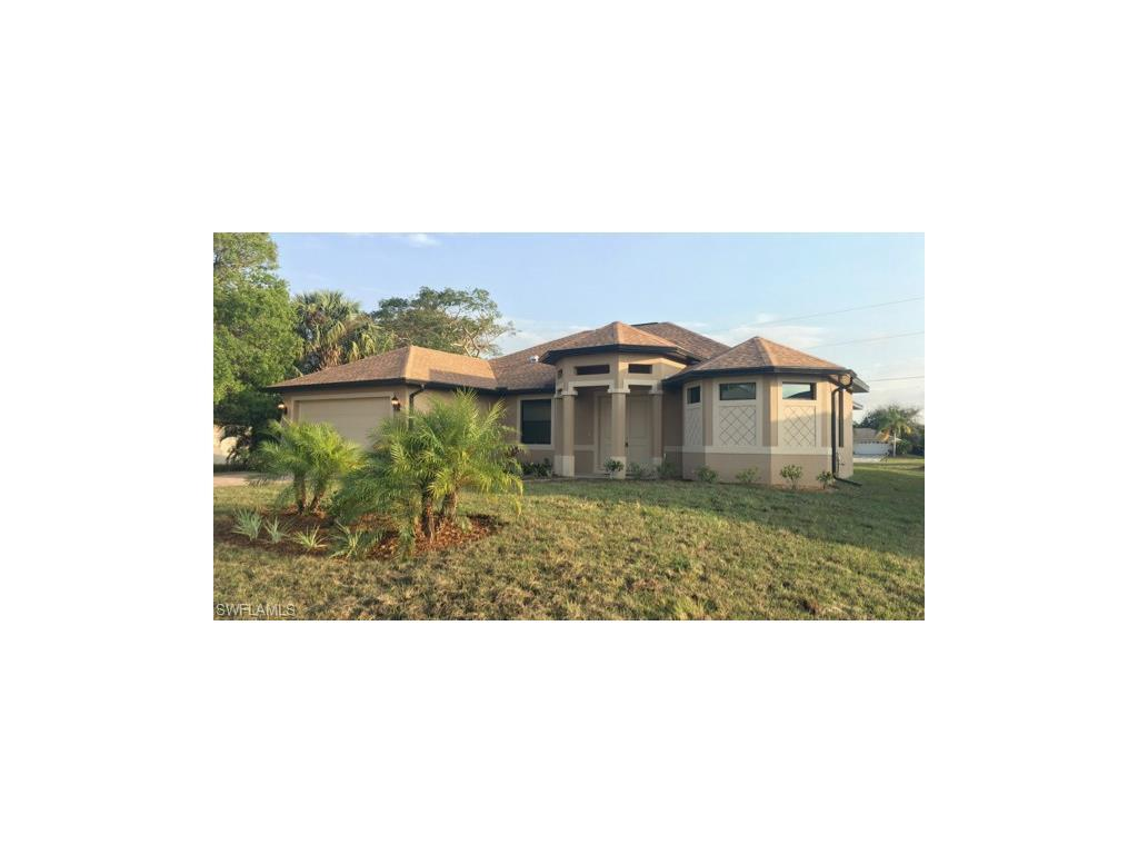 1306 SW 10th St, Cape Coral, FL 33991 (MLS #216049292) :: The New Home Spot, Inc.