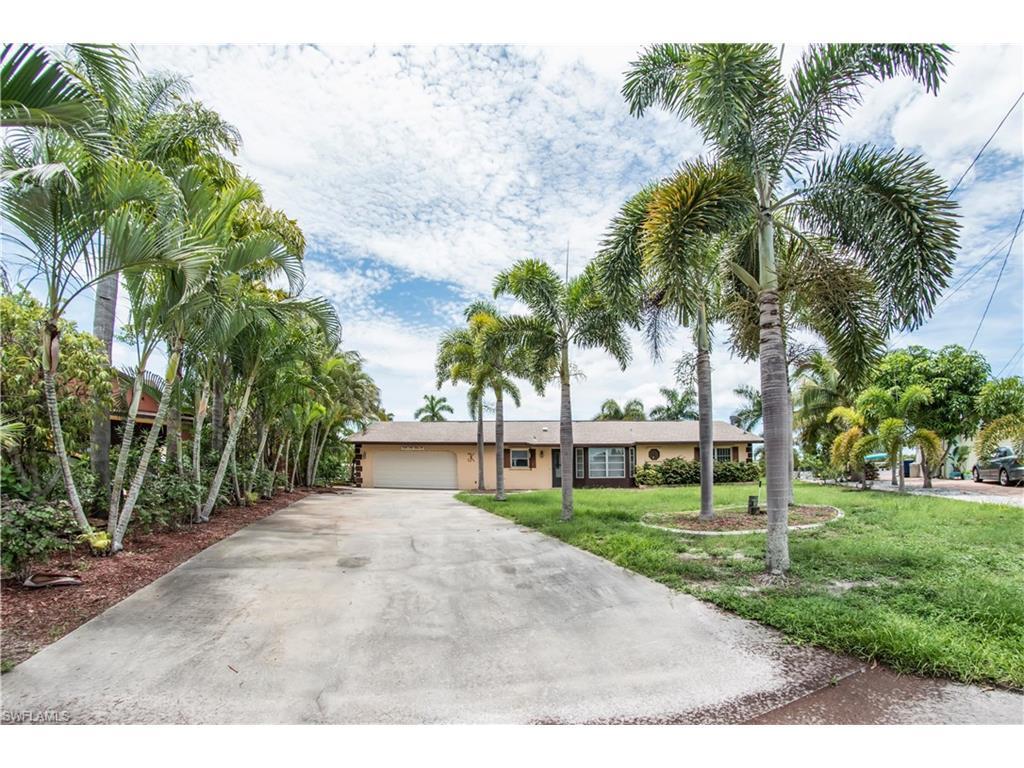 12140 Star Shell Dr N, MATLACHA ISLES, FL 33991 (MLS #216061671) :: The New Home Spot, Inc.