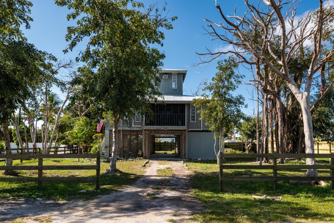 30478 Poinciana Road - Photo 1