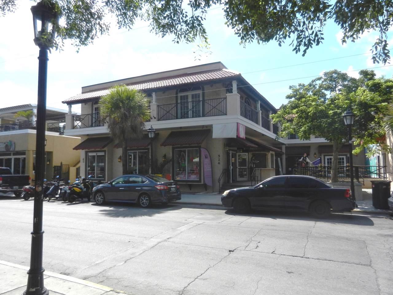 524 Front Street - Photo 1