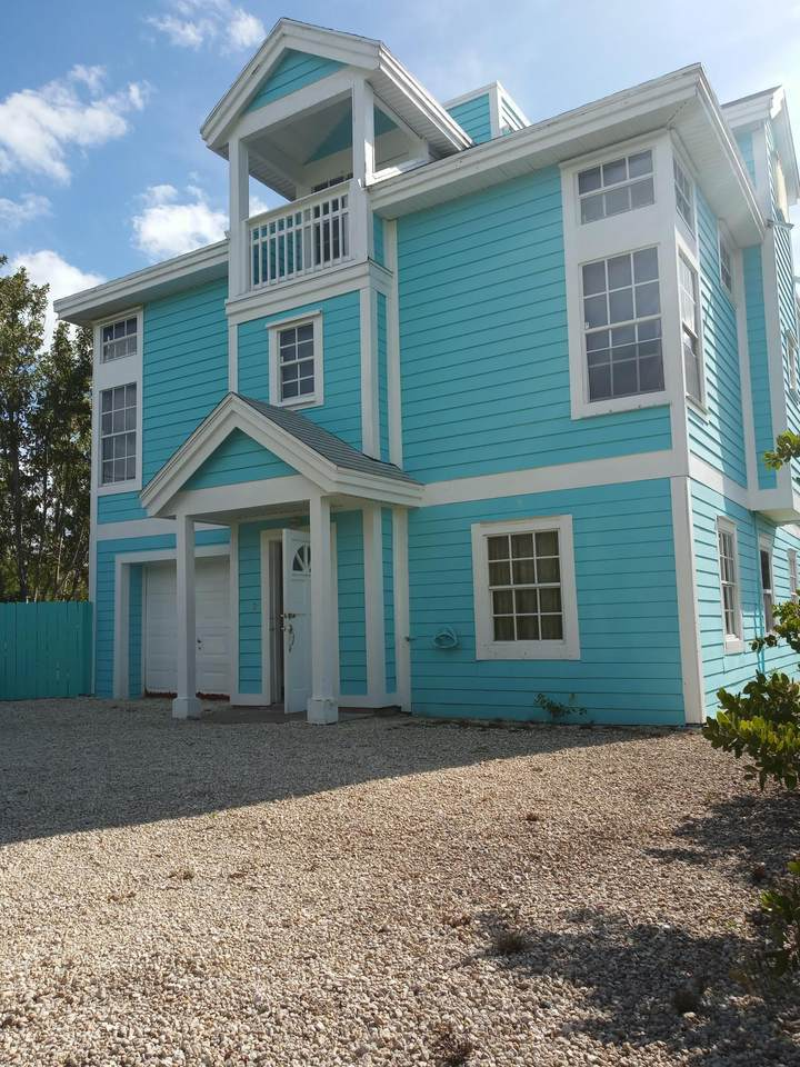 202 Canal Drive - Photo 1