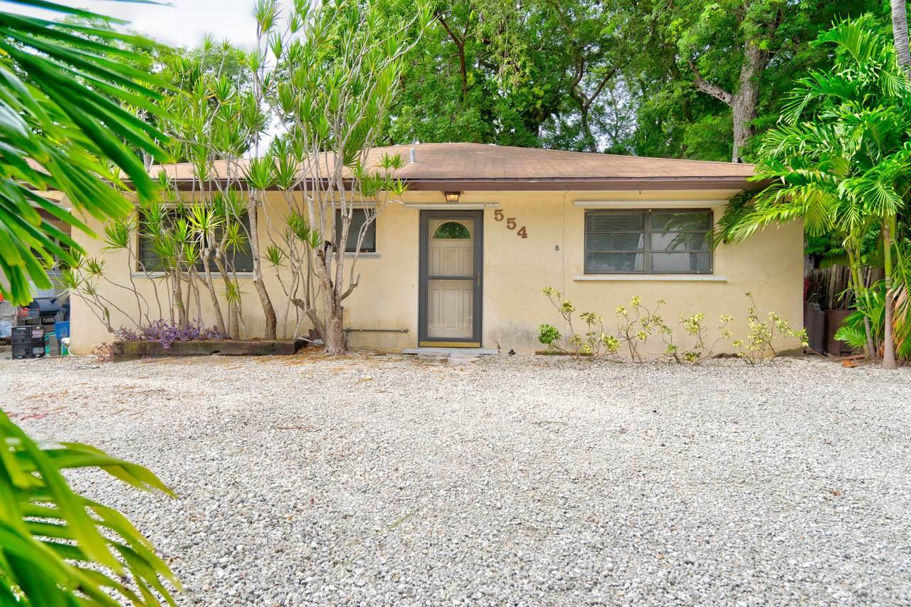 554 Palm Drive - Photo 1