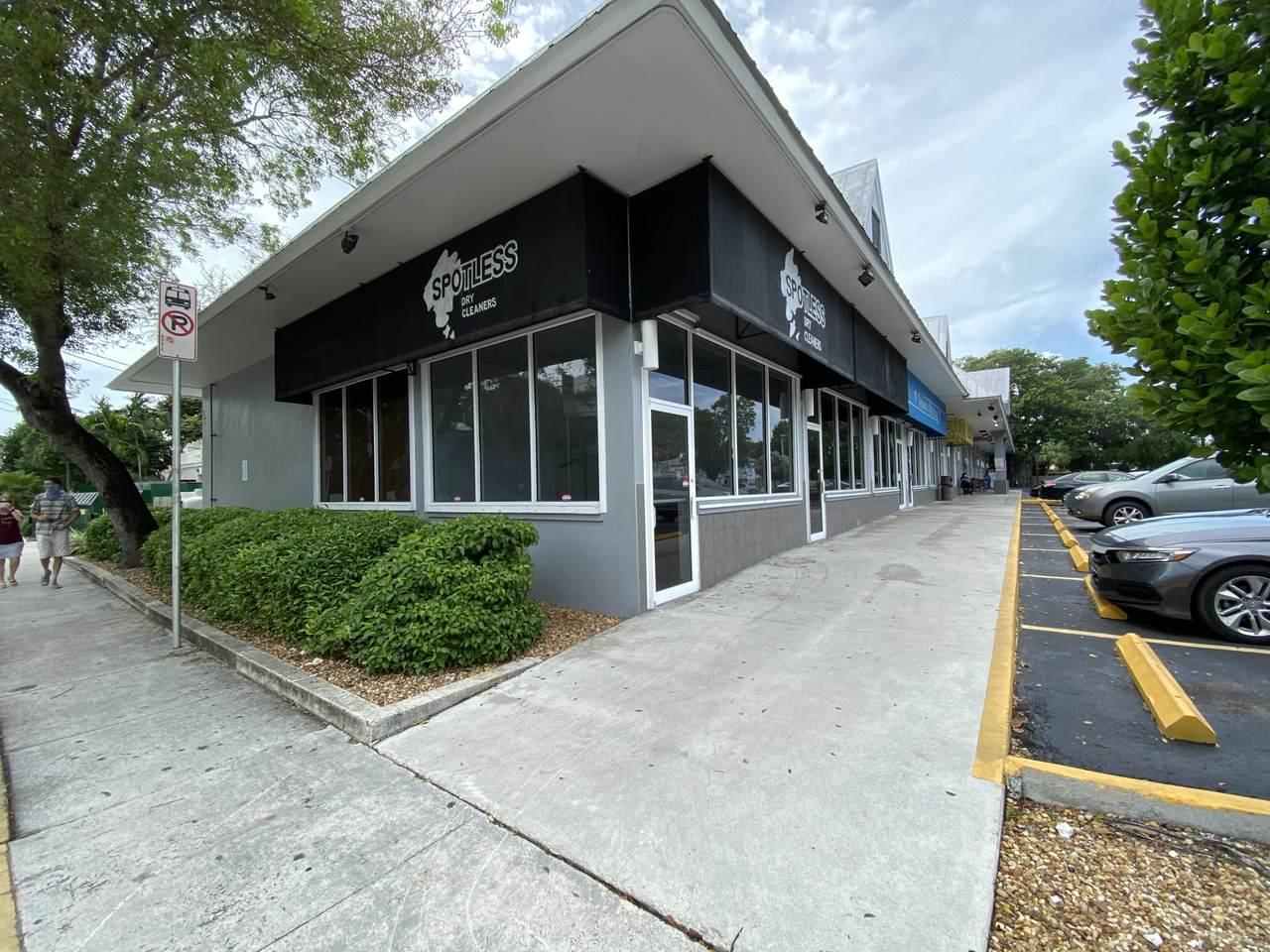 542 Truman Avenue - Photo 1