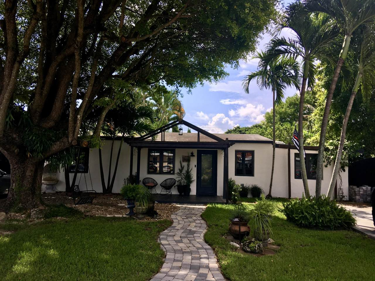 9810 51 Terrace - Photo 1