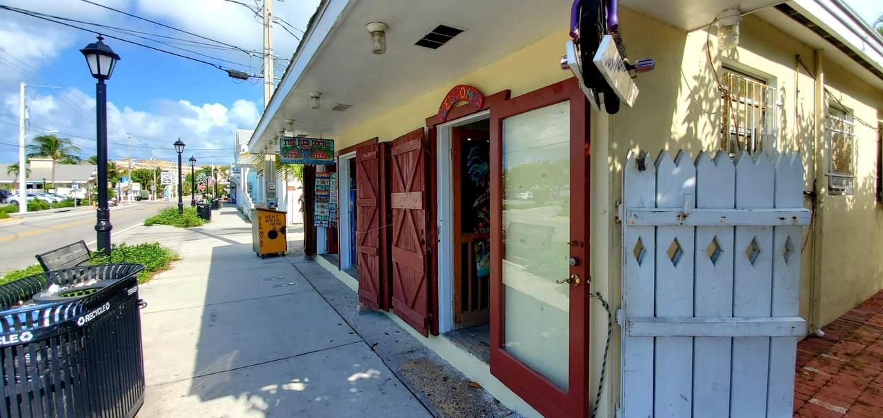 812 Caroline Street - Photo 1