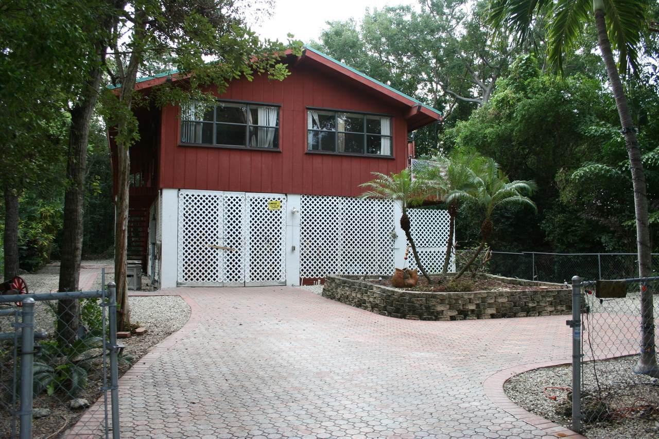243 Buttonwood Shores Drive - Photo 1