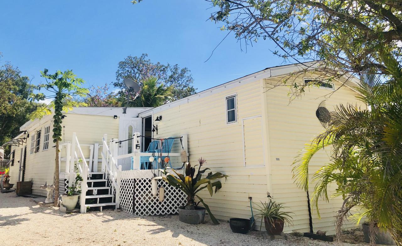 Peachy 903 Plantation Road Key Largo Fl 33037 Mls 582543 Coastal Collection Real Estate Inc Home Interior And Landscaping Ferensignezvosmurscom