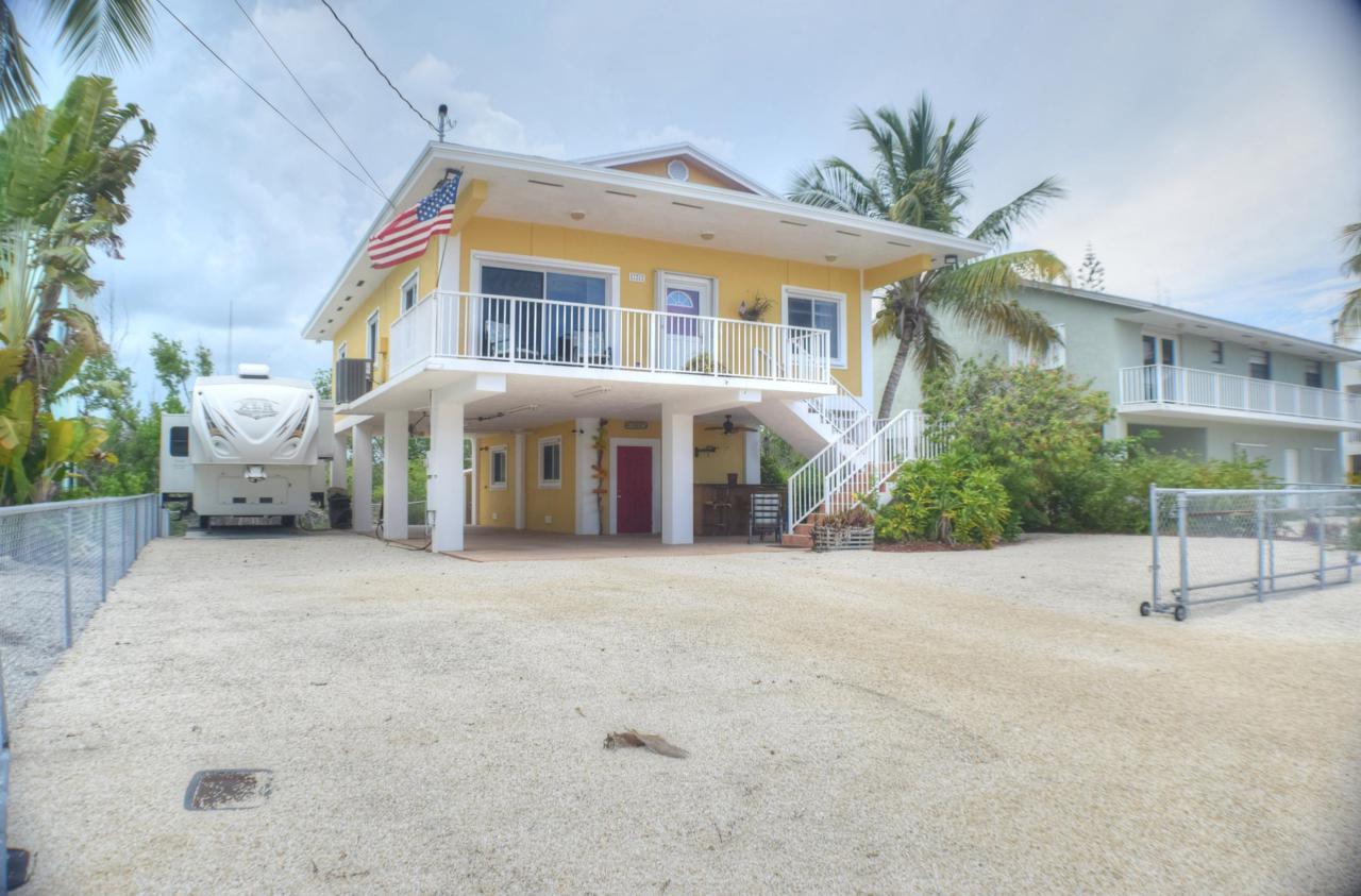 126 Ocean Shores Drive - Photo 1