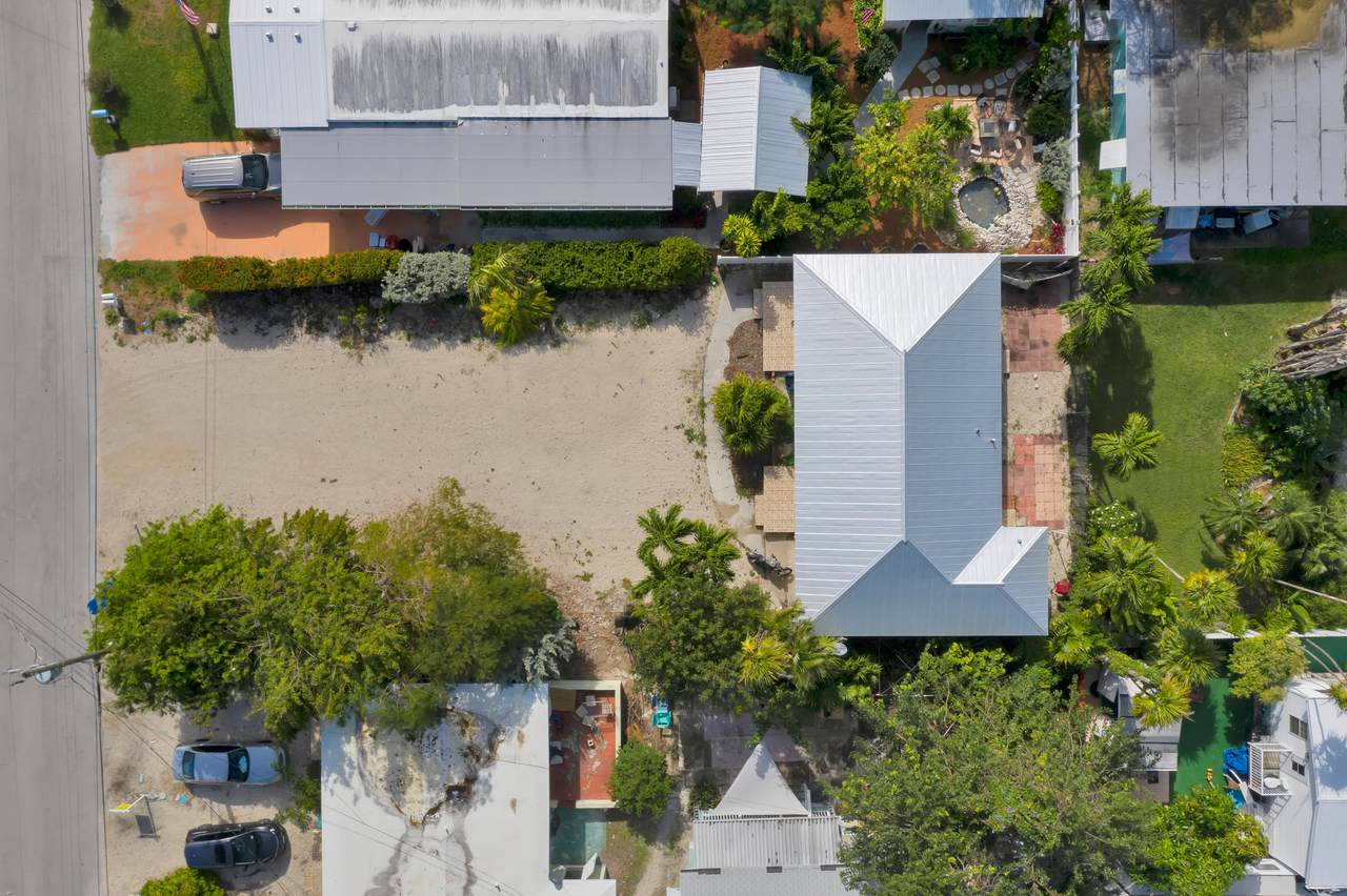 425&427 24th Street Ocean - Photo 1