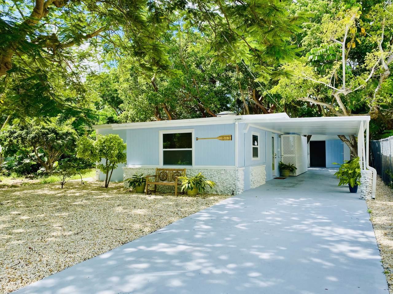 813 La Paloma Road - Photo 1