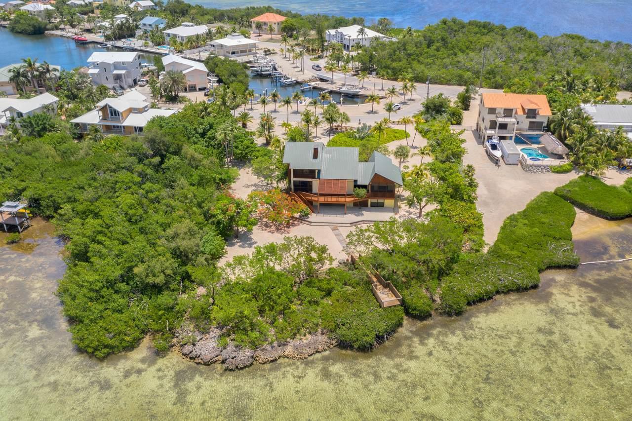 100 Pirates Cove Drive - Photo 1