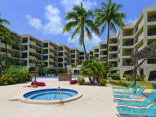 79901 Overseas Highway #210, Upper Matecumbe Key Islamorada, FL 33036 (MLS #581915) :: KeyIsle Realty