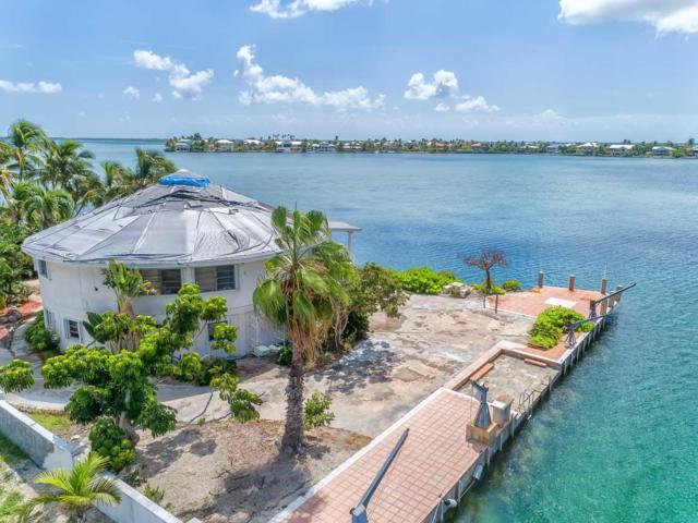 158 Shore Lane, Sugarloaf Key, FL 33042 (MLS #582158) :: Coastal Collection Real Estate Inc.