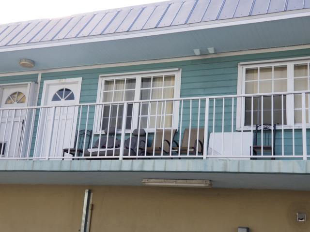 3255 Flagler Avenue #406, Key West, FL 33040 (MLS #582681) :: Doug Mayberry Real Estate