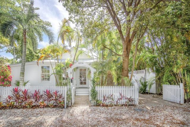 1214 Seminary Street, Key West, FL 33040 (MLS #583294) :: Brenda Donnelly Group