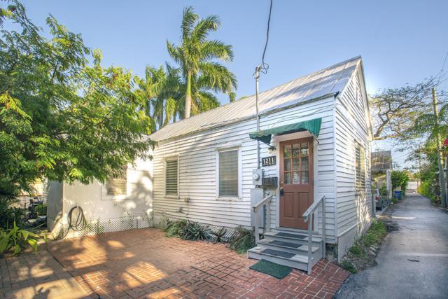 1211 Knowles Lane, Key West, FL 33040 (MLS #584326) :: Key West Property Sisters