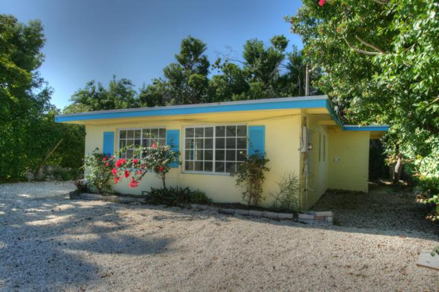6 Hibiscus Drive, Key Largo, FL 33037 (MLS #584358) :: Doug Mayberry Real Estate