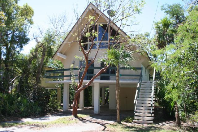 202 Mahogany Drive, Key Largo, FL 33037 (MLS #585314) :: KeyIsle Realty