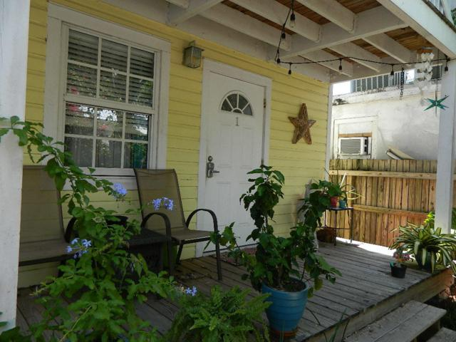 904 Terry Lane A, Key West, FL 33040 (MLS #586143) :: Doug Mayberry Real Estate
