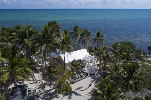 183 Carroll Street, Upper Matecumbe Key Islamorada, FL 33036 (MLS #587765) :: Coastal Collection Real Estate Inc.