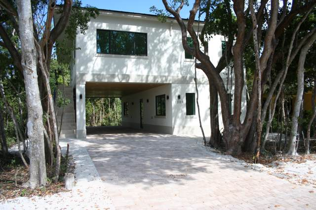 12 Coral Drive, Key Largo, FL 33037 (MLS #588704) :: Coastal Collection Real Estate Inc.