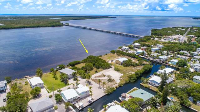 1915 Coral Way, Big Pine Key, FL 33043 (MLS #589947) :: Coastal Collection Real Estate Inc.